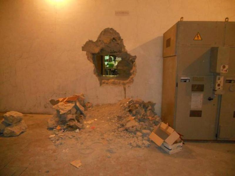 I tunnel della banda del buco sotto la Reggia di Portici:
